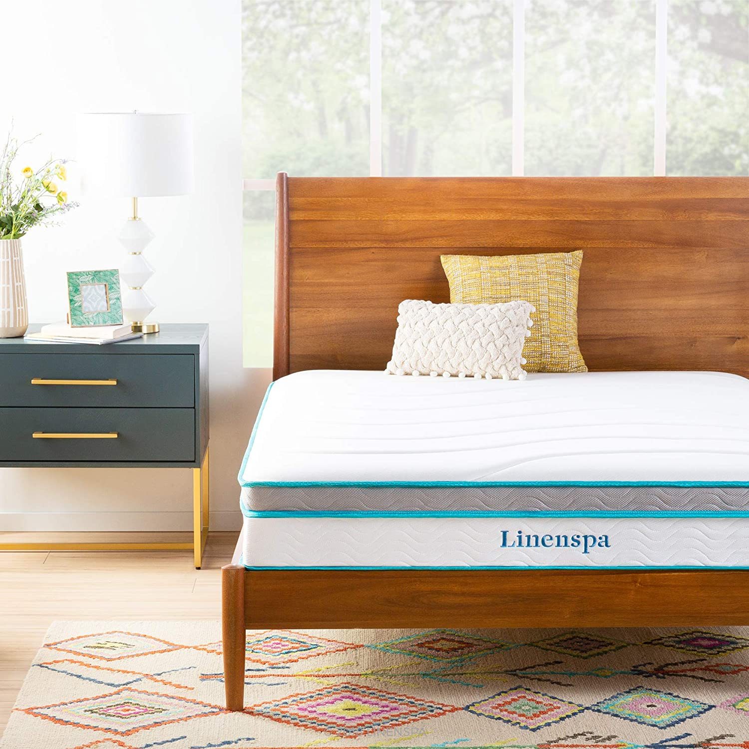 10 best mattresses for back pain in 2021. Linenspa Hybrid Mattress photo.